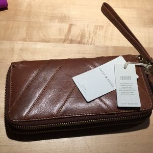 NWT LUCKY BRAND WALLET WRISTLET